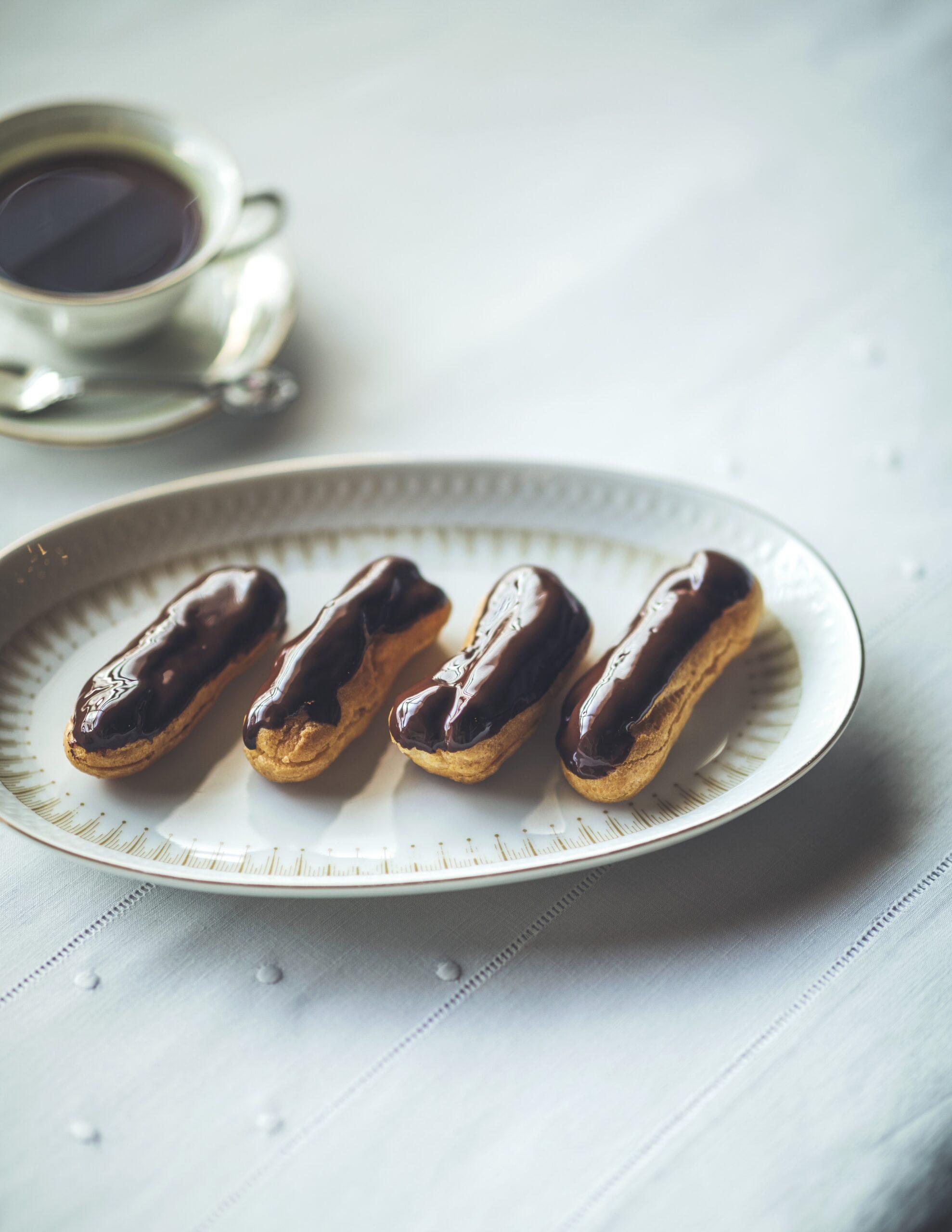 おいしいおはなし 第34回『チョコレート戦争』子ども心も魅了するチョコレートつやめくエクレール