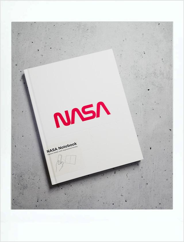 ノートから宇宙旅行に〈AstroReality〉のNASA設立60周年ARノートブック